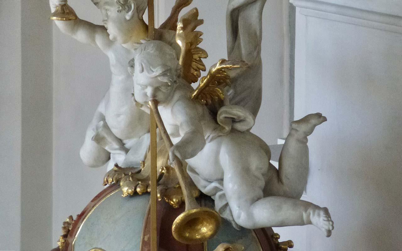 Zwei Engel in der St. Martins Kirche in Schwyz