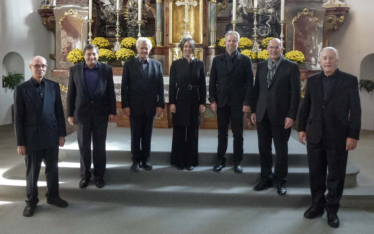 Die Choralgruppe des Kirchenchor Schwyz unter der Leitung von Katja Lasssauer