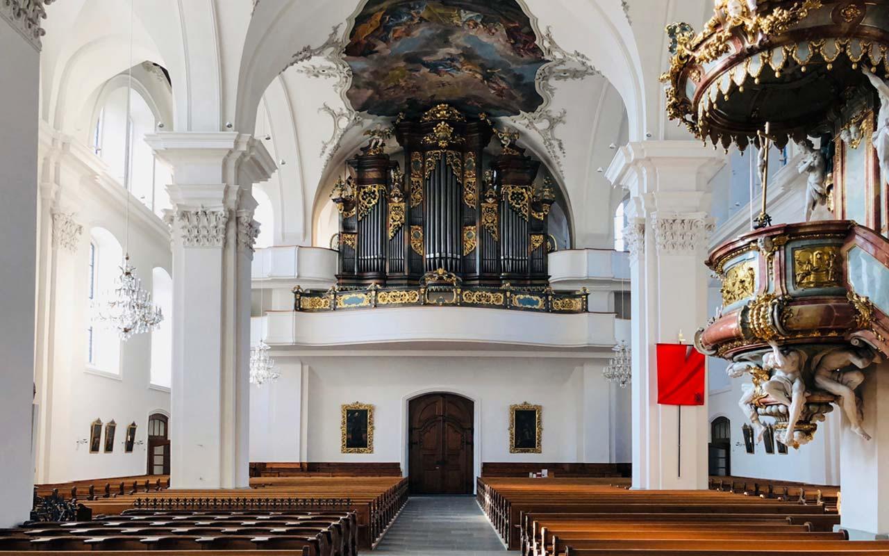 Innenbild der Kirche St. Martin in Schwyz